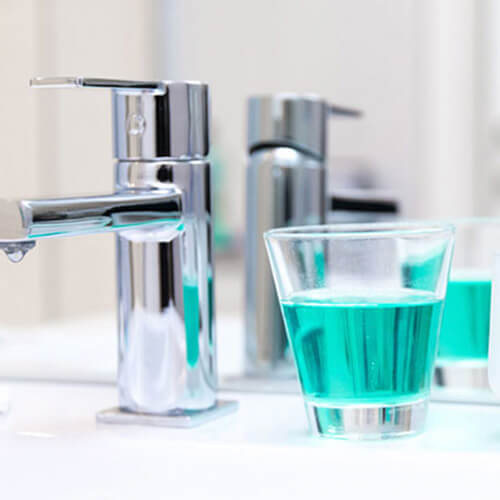 glass of drinking water with fluoride: is it bad?